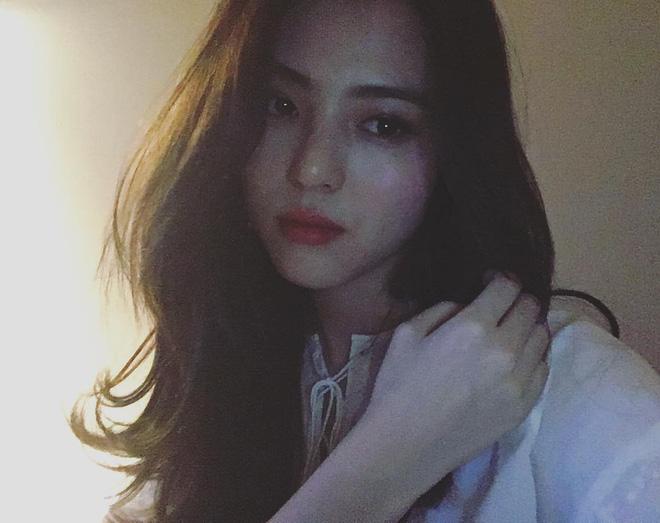 Vẻ ngoài vừa ngọt ngào, vừa cá tính của cô bạn Hàn Quốc từng góp mặt trong MV Tell Me What To Do (SHINee) - Ảnh 23.