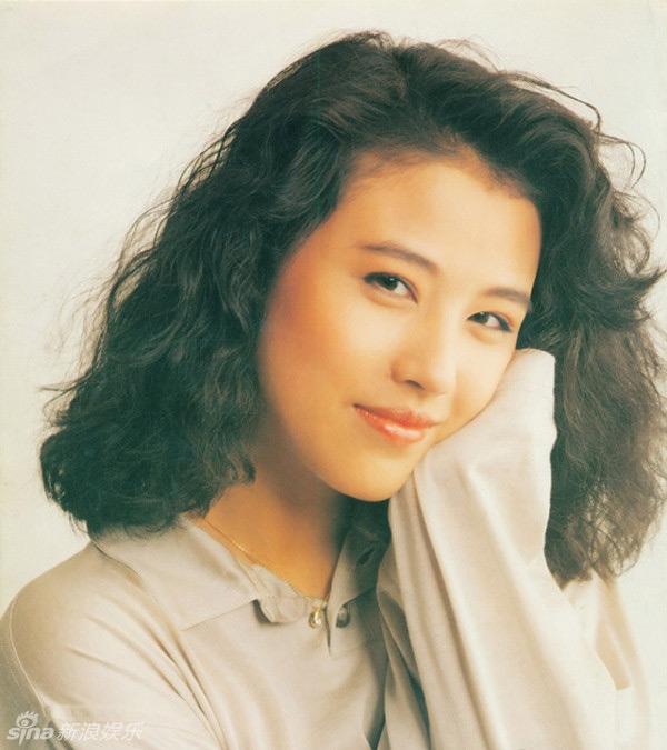 Nhan sắc của những mỹ nhân TVB thập niên 90: Chẳng cần photoshop vẫn đẹp đến nao lòng - Ảnh 24.