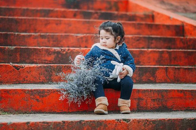 Đây chính là cô Ba Sài Gòn phiên bản 2,5 tuổi cưng hết sảy khiến dân mạng phát cuồng - Ảnh 24.