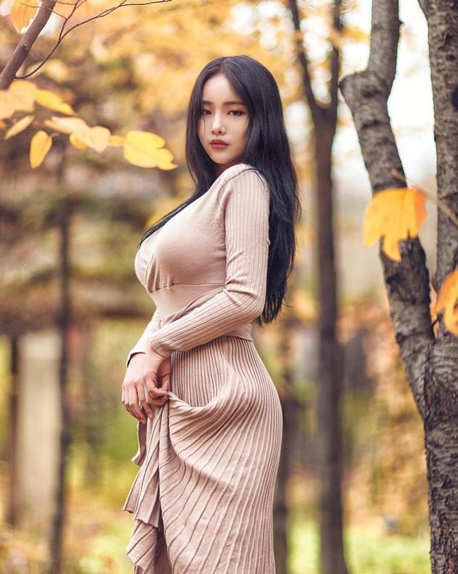 Không khoe da thịt, cô gái vẫn khiến vạn người say vì thân hình gợi cảm - Ảnh 7.