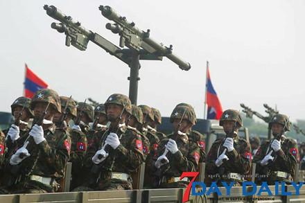 Quân đội Myanmar phô trương sức mạnh vũ khí trong cuộc duyệt binh - Ảnh 3.