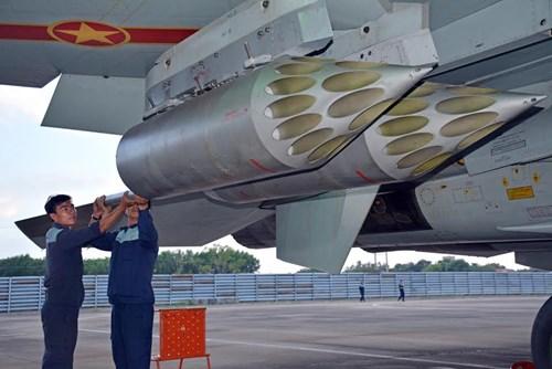 Sư đoàn Không quân 370 thực hành diễn tập bắn đạn thật - Ảnh 4.