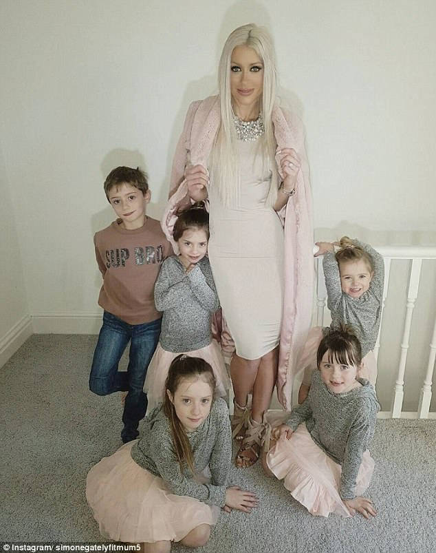 Đẹp quá cũng là cái tội: Mẹ 5 con bị nghi ngờ giả mang bầu vì có thân hình quá nuột - Ảnh 4.