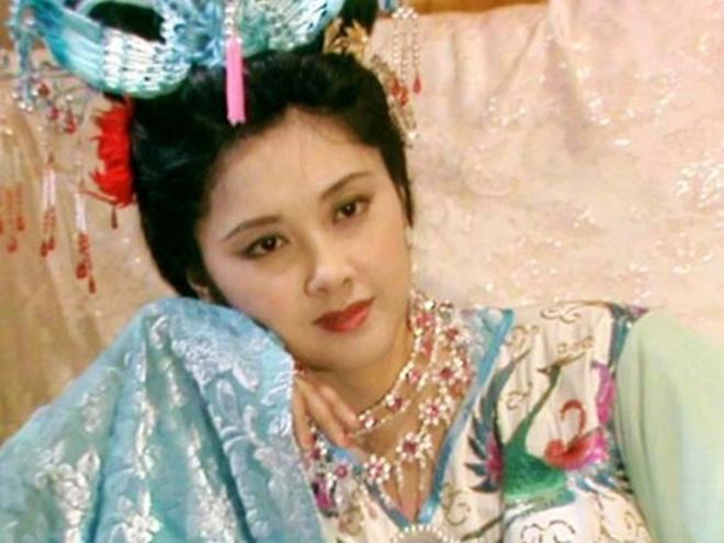 Thực hư tin đồn Nữ Vương Tây Lương phim giả tình thật với Đường Tăng Tây du Ký 1986 nên không lấy chồng - Ảnh 3.