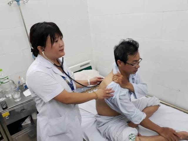 Vào mùa sốt xuất huyết, bác sĩ cảnh báo biến chứng suy thận, gan - Ảnh 2.