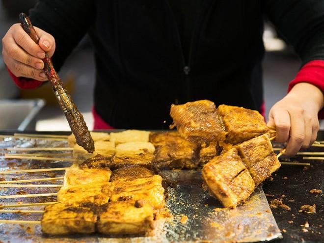 6 món đặc sản nổi tiếng châu Á ai can đảm lắm mới dám ăn - Ảnh 4.