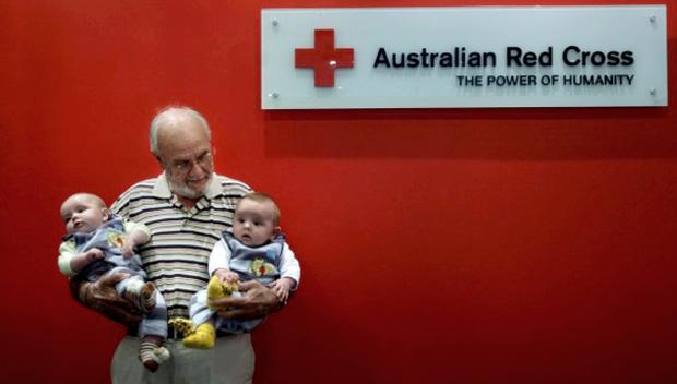 Sở hữu sức mạnh đặc biệt, ông lão 79 tuổi đã cứu sống 2 triệu sinh mạng trẻ sơ sinh trong suốt 60 năm - Ảnh 4.