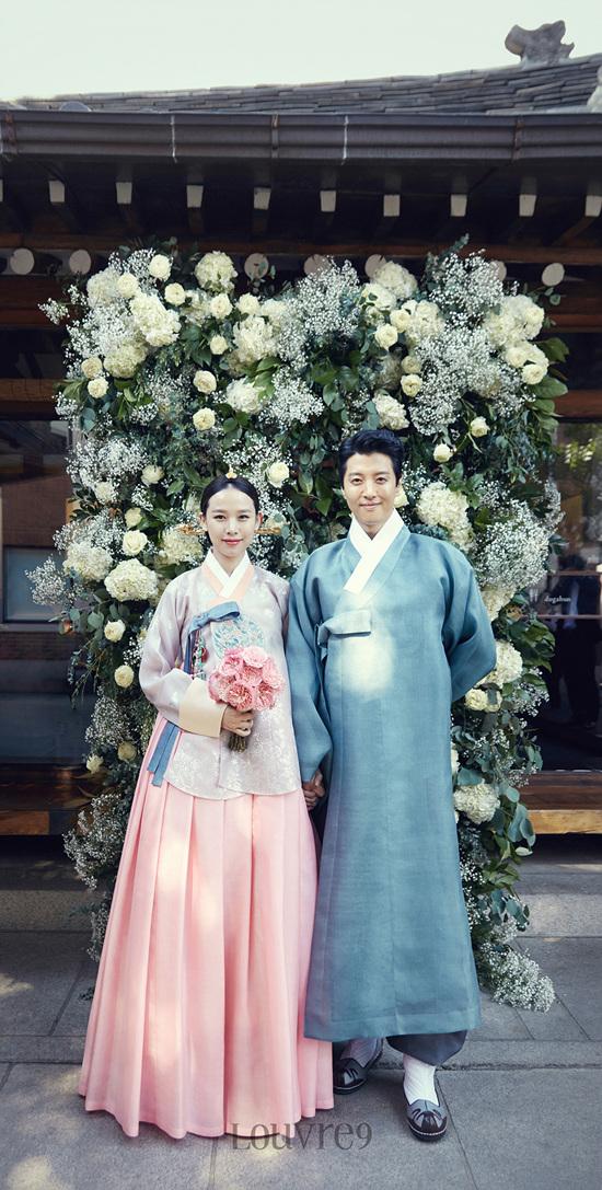 Những hình ảnh đẹp trong đám cưới bí mật của tài tử Lee Dong Gun - Ảnh 4.