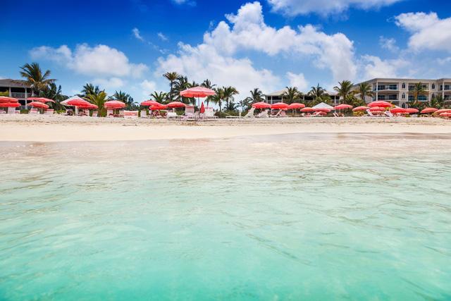 7 bãi biển đẹp như thiên đường trên toàn thế giới mà tín đồ du lịch sẽ tiếc hùi hụi nếu không ghé thăm ít nhất 1 lần - Ảnh 4.