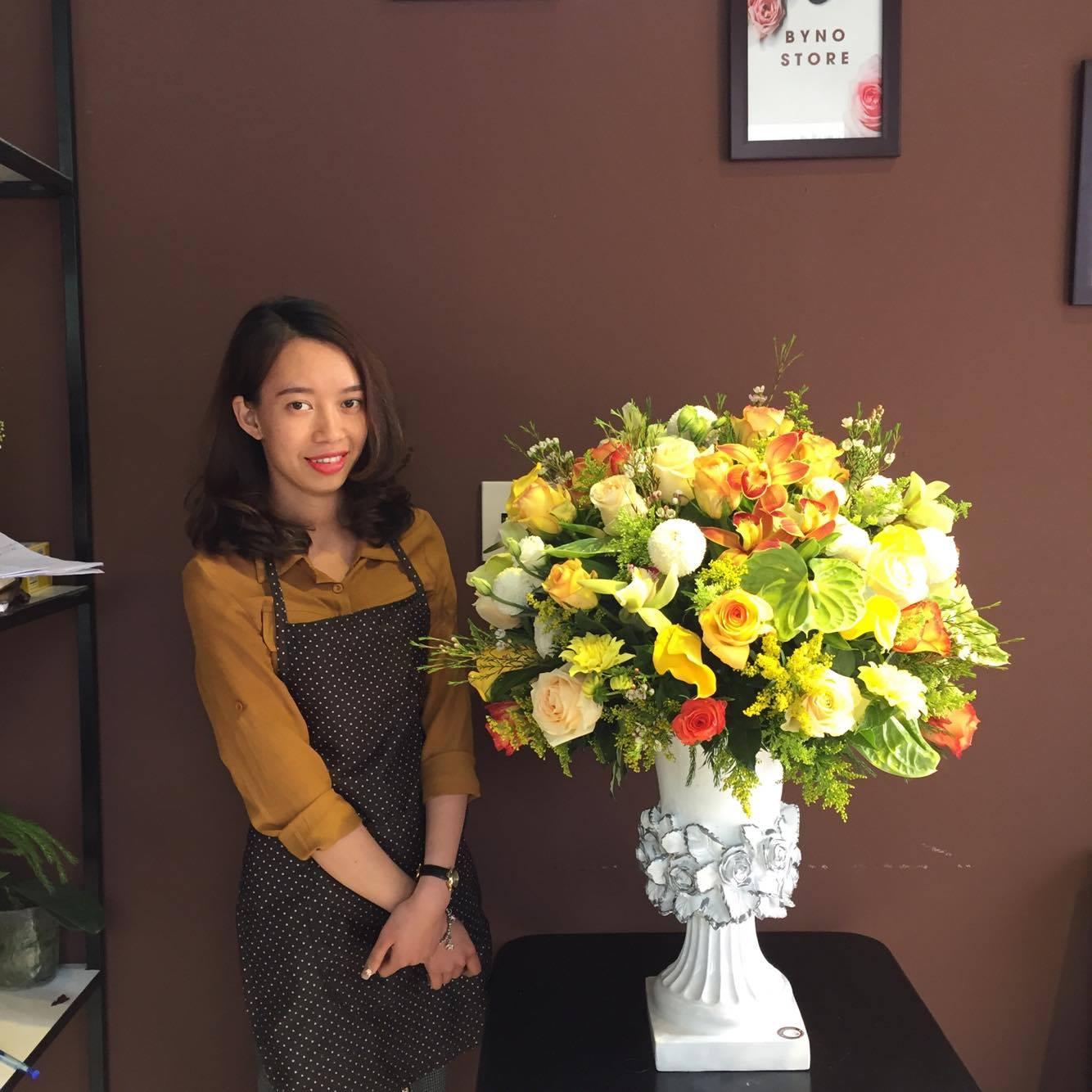 Bỏ công tránh việc, cô nàng quyết tâm theo nghiệp... bán hoa - Ảnh 4.