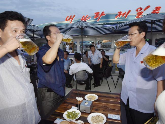 Ảnh mới độc đáo về cuộc sống ở Triều Tiên - Ảnh 4.