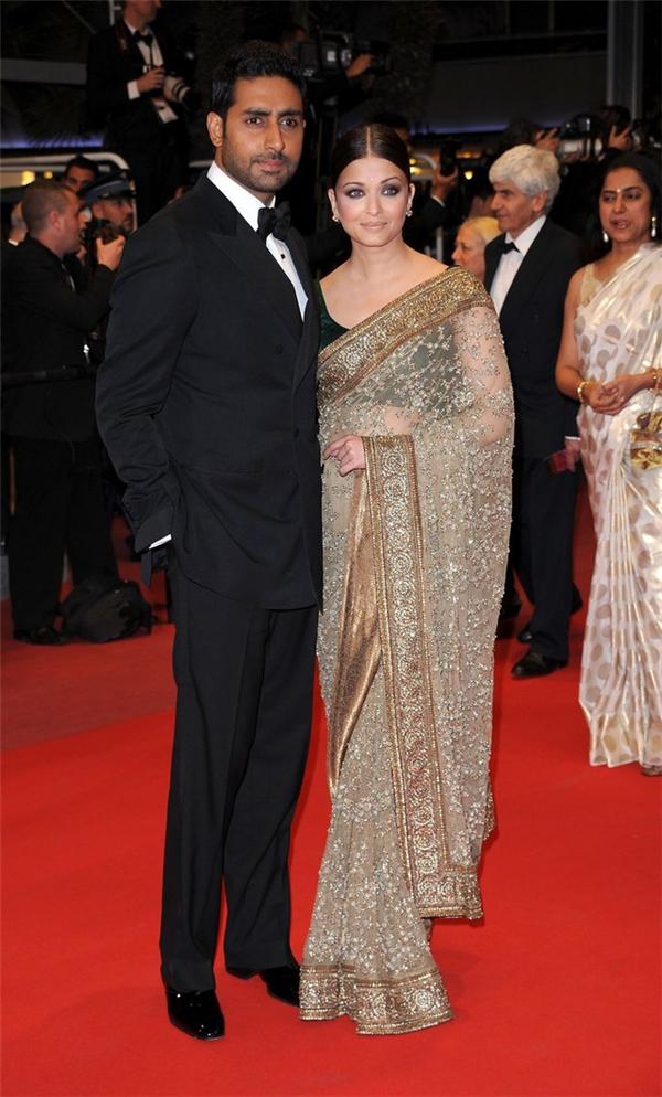 Hành trình 16 năm hóa nữ thần thảm đỏ Cannes của Hoa hậu Aishwarya Rai - Ảnh 16.