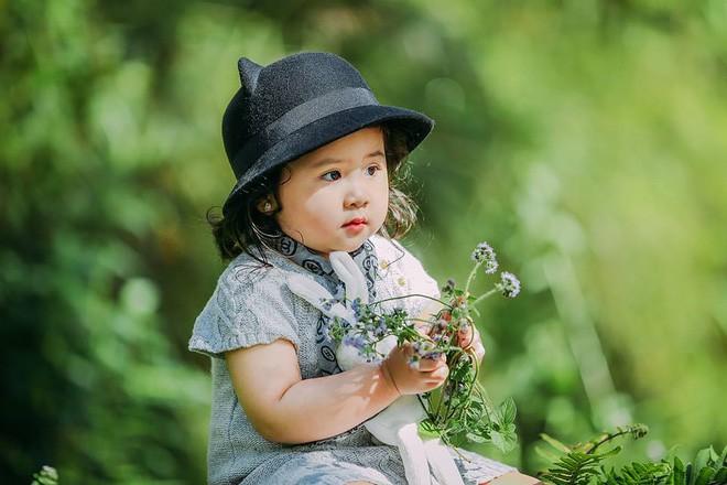 Đây chính là cô Ba Sài Gòn phiên bản 2,5 tuổi cưng hết sảy khiến dân mạng phát cuồng - Ảnh 32.