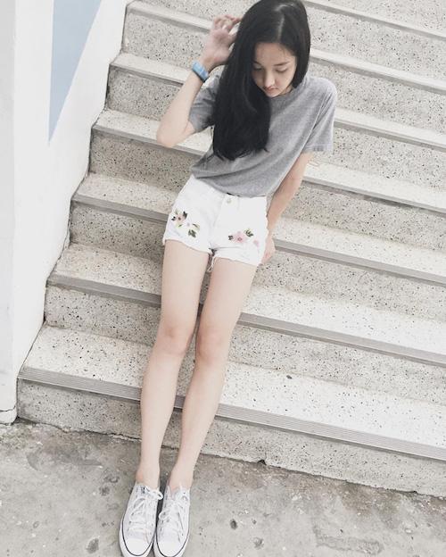 Hot girl Thái Lan khiến cư dân mạng tan chảy vì nụ cười ngọt lịm như đường - Ảnh 11.