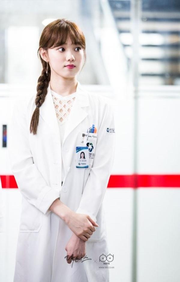 Tiên nữ cử tạ Lee Sung Kyung - Người đẹp 9X chăm cày cuốc của Kbiz - Ảnh 5.