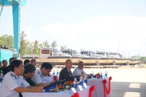 Mỹ bàn giao cho Cảnh sát biển Việt Nam 6 tàu tuần tra - Ảnh 5.