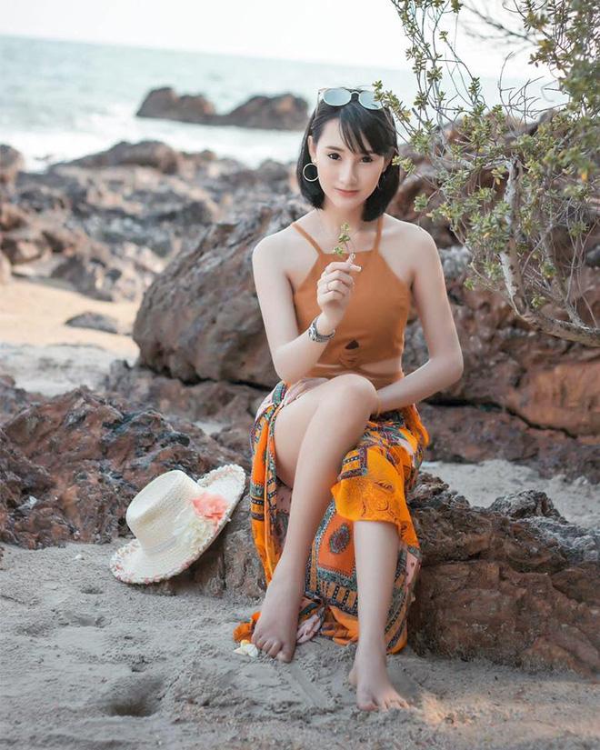 Nhan sắc ngọt ngào pha quyến rũ của 2 hot girl Lào đình đám mạng xã hội - Ảnh 5.