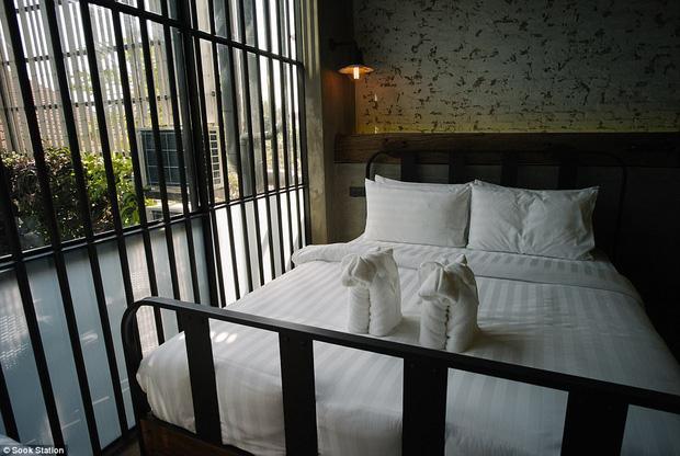 Khách sạn nhà tù ở Bangkok, nơi bạn phải trả tiền để được ngủ sau song sắt mỗi đêm - Ảnh 5.