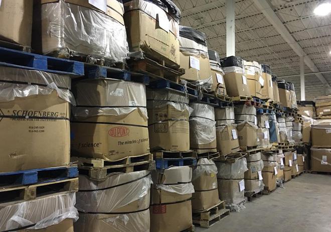 Cận cảnh nghĩa địa TV bao gồm 56.000 tấn TV cũ trong kho, công ty tái chế bị phạt 14 triệu USD để dọn chỗ này - Ảnh 4.