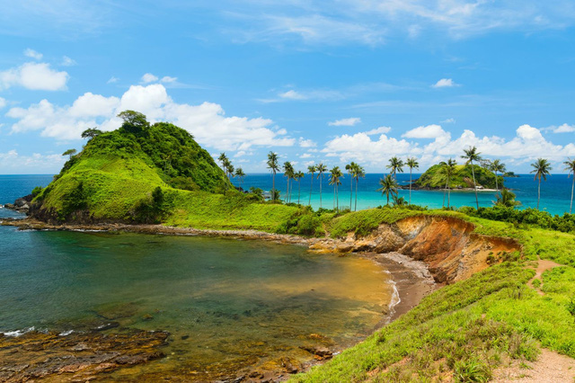 7 bãi biển đẹp như thiên đường trên toàn thế giới mà tín đồ du lịch sẽ tiếc hùi hụi nếu không ghé thăm ít nhất 1 lần - Ảnh 5.