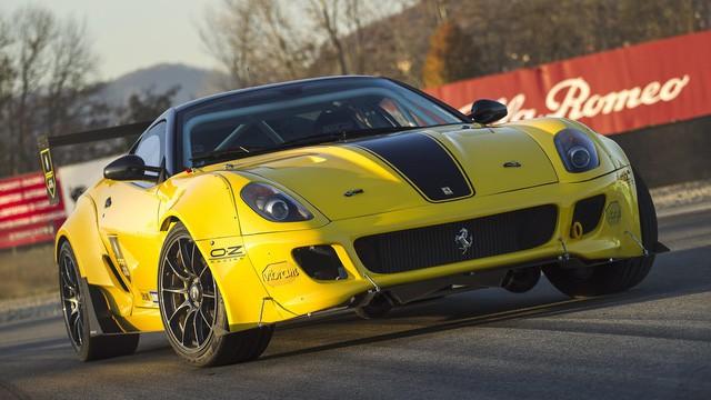 Siêu ngựa Ferrari 599 GTB Fiorano Drift đầu tiên trên thế giới - Ảnh 5.