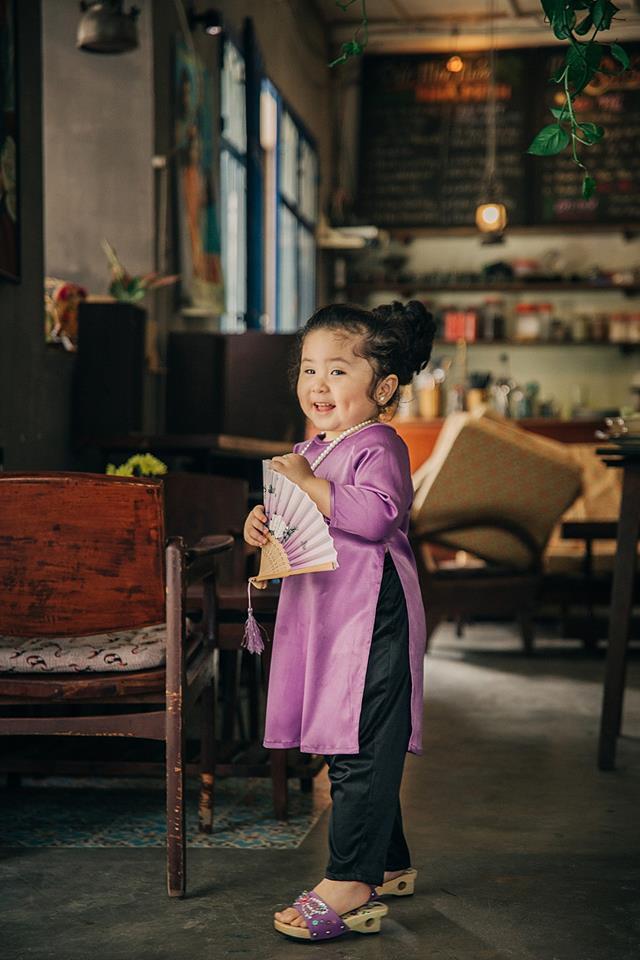 Đây chính là cô Ba Sài Gòn phiên bản 2,5 tuổi cưng hết sảy khiến dân mạng phát cuồng - Ảnh 5.
