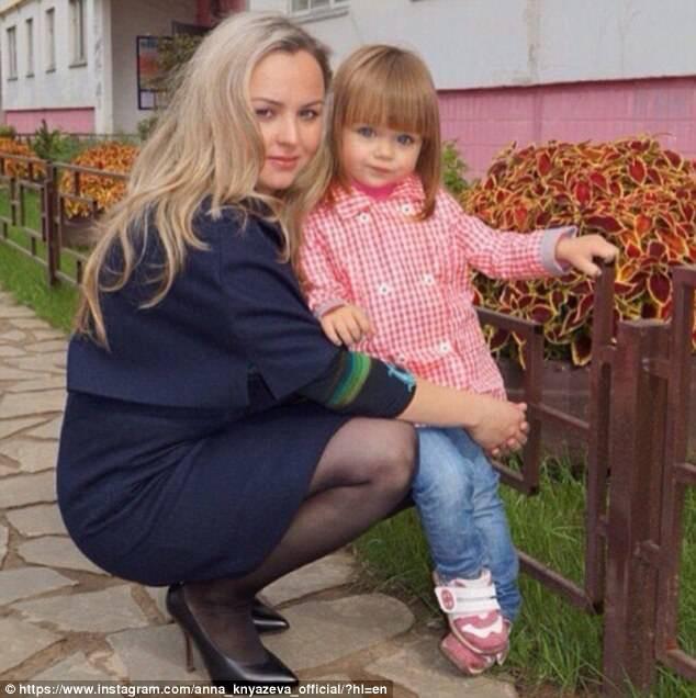 Sự thật đáng buồn phía sau danh xưng Cô bé xinh đẹp nhất thế giới của siêu mẫu nhí người Nga - Ảnh 5.