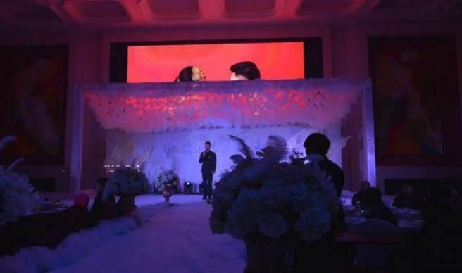 Chi cả trăm triệu đồng tổ chức đám cưới, cô dâu tá hỏa khi lễ đường chẳng khác nào linh đường đám ma - Ảnh 5.