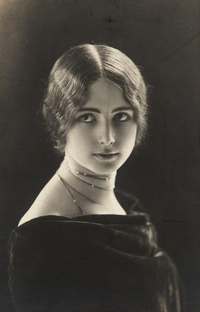 """Cuộc đời kịch tính của """"gái làng chơi"""" Paris được mệnh danh là tổ nghề Celeb"""" nổi tiếng nhờ các tin đồn và scandal - Ảnh 5."""