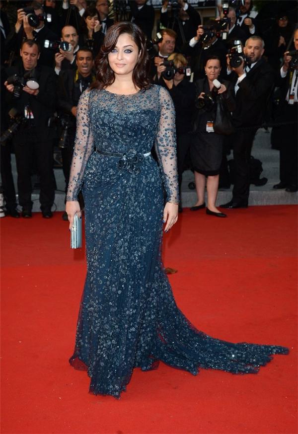 Hành trình 16 năm hóa nữ thần thảm đỏ Cannes của Hoa hậu Aishwarya Rai - Ảnh 21.