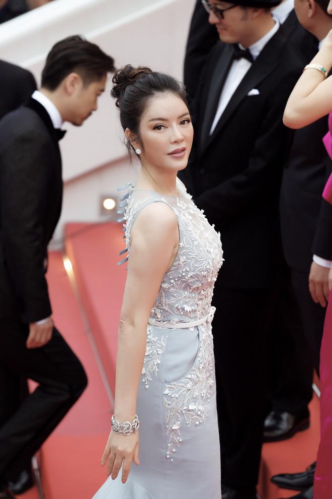 Lý Nhã Kỳ diện cây hàng hiệu hơn 4 tỷ lộng lẫy trên thảm đỏ LHP Cannes ngày 2 - Ảnh 6.