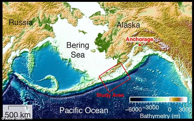 Phát hiện vết nứt khổng lồ dưới đáy biển Alaska, có thể gây thảm họa siêu sóng thần  - Ảnh 3.