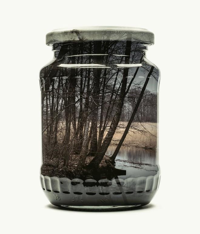 Chiêm ngưỡng bộ ảnh Gom cả thế gian vào lọ thủy tinh của nhiếp ảnh gia Christoffer Relander - Ảnh 6.