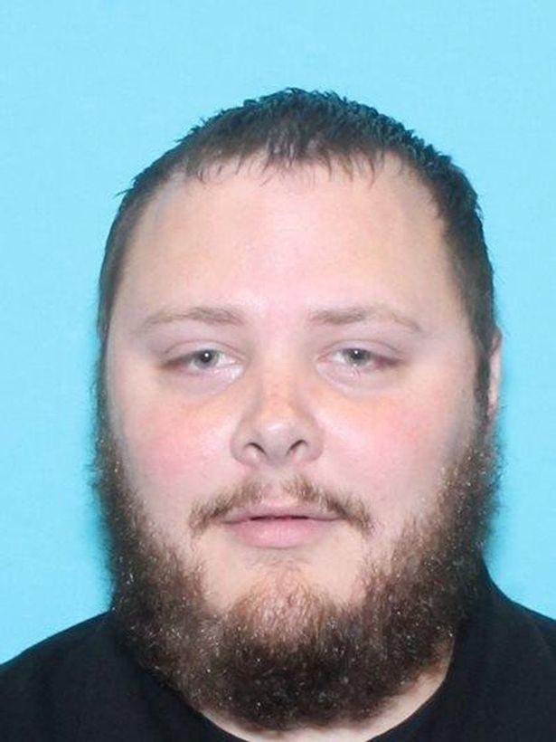 Ngỡ ngàng trước biệt thự xa hoa của nghi phạm xả súng ở Texas - Ảnh 6.