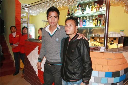 Công Phượng, Mạc Hồng Quân và những cầu thủ Việt kiếm thêm bằng nghề tay trái - Ảnh 6.