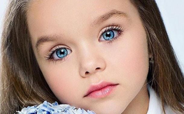 Sự thật đáng buồn phía sau danh xưng Cô bé xinh đẹp nhất thế giới của siêu mẫu nhí người Nga - Ảnh 6.