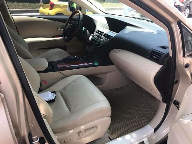 Đi 7 năm, Lexus RX350 hạ giá một nửa tại Hà Nội - Ảnh 5.