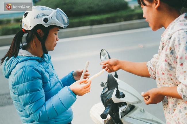 Bỏng gậy - Món quà quê dân dã của người Việt lại gây thích thú trên blog ẩm thực nước ngoài - Ảnh 8.