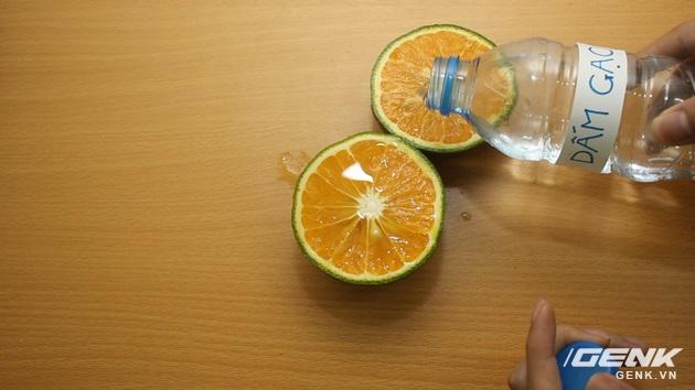 Hướng dẫn bạn đọc chế sạc pin dự phòng từ một quả cam, sạc được tới gần 40% pin cho iPhone - Ảnh 6.