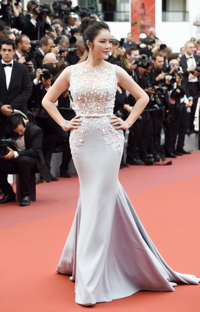 Lý Nhã Kỳ diện cây hàng hiệu hơn 4 tỷ lộng lẫy trên thảm đỏ LHP Cannes ngày 2 - Ảnh 7.