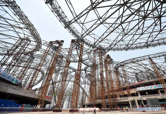 Toàn cảnh công trường xây dựng sân bay quốc tế lớn nhất thế giới, một trong những tác phẩm cuối cùng của nhà thiết kế đại tài Zaha Hadid - Ảnh 6.