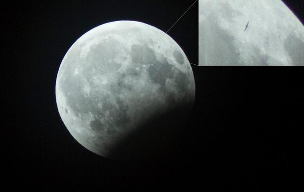 Sự thật về những bức hình trăng máu được cho là của hiện tượng nguyệt thực 1 phần tối qua - Ảnh 7.