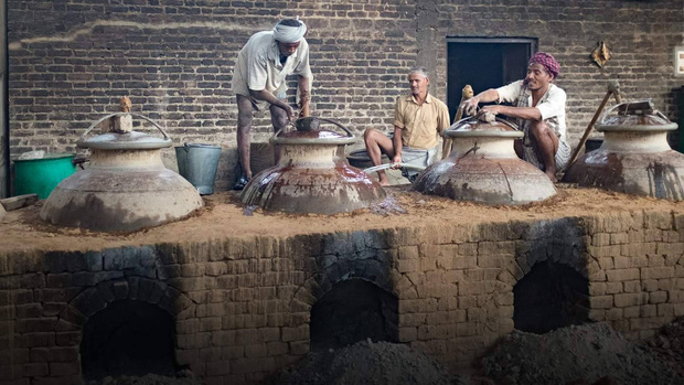 Kinh đô nước hoa của Ấn Độ, nơi cất giữ linh hồn của những mùi hương và cuộc chiến với ngành nước hoa công nghiệp - Ảnh 7.
