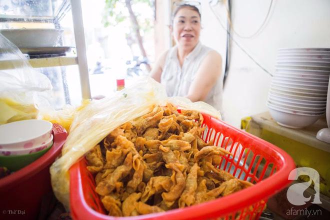 Có một tiệm mì vằn thắn gia truyền 3 đời, ăn là nghiện, không thử là thiệt ở Hà Nội, bạn đã biết chưa? - Ảnh 7.