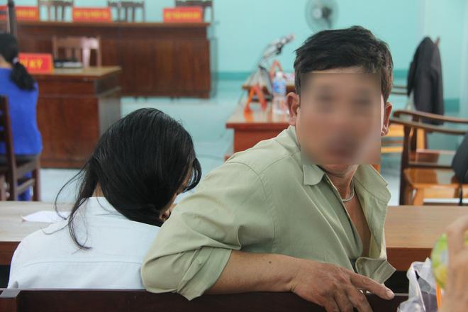 Nỗi ám ảnh của bé gái 16 tuổi có thai, em gái 13 tuổi bị bạn trai xâm hại trong đêm