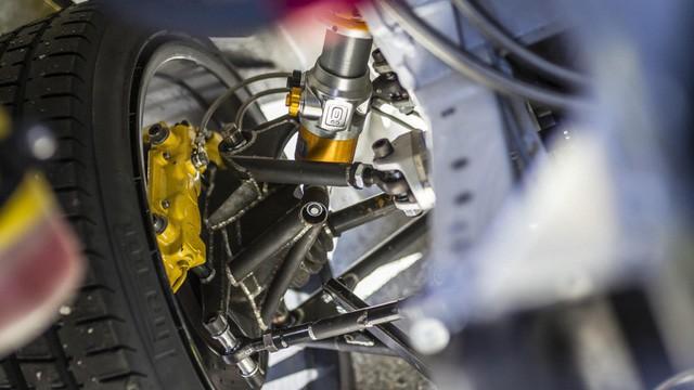 Siêu ngựa Ferrari 599 GTB Fiorano Drift đầu tiên trên thế giới - Ảnh 7.