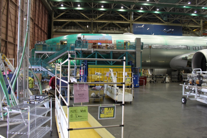 Dạo một vòng quanh nhà máy sản xuất máy bay lớn nhất của Boeing - Ảnh 7.