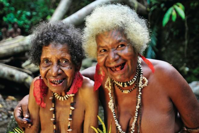 Chuyện yêu thú vị ở đảo quốc nữ quyền: Cứ đến mùa khoai, phụ nữ lại đi săn trai, có những căn lều để ngoại tình thoải mái - Ảnh 6.