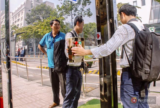 """Cận cảnh trạm xe buýt 8,5 tỷ đồng, """"sang chảnh"""" nhất trung tâm Sài Gòn và có nhà vệ sinh thông minh - Ảnh 7."""