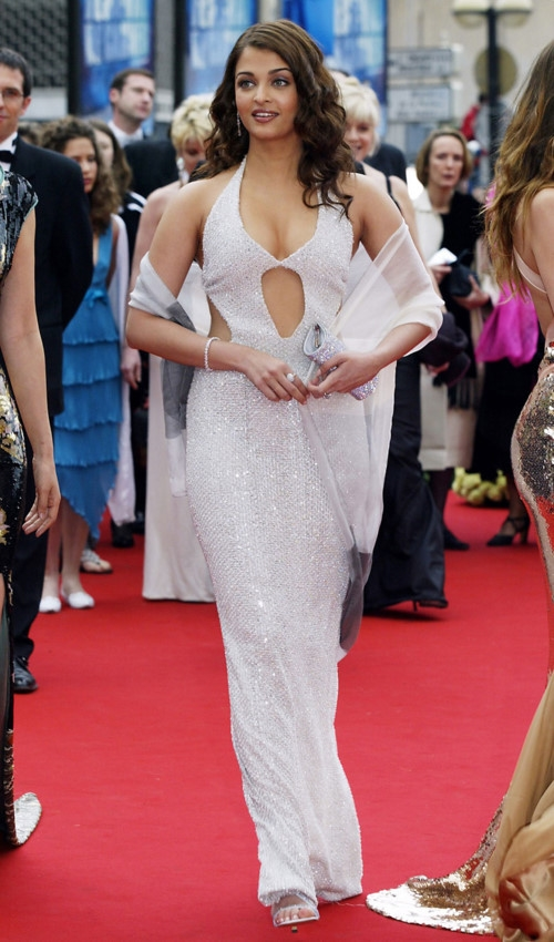 Hành trình 16 năm hóa nữ thần thảm đỏ Cannes của Hoa hậu Aishwarya Rai - Ảnh 4.